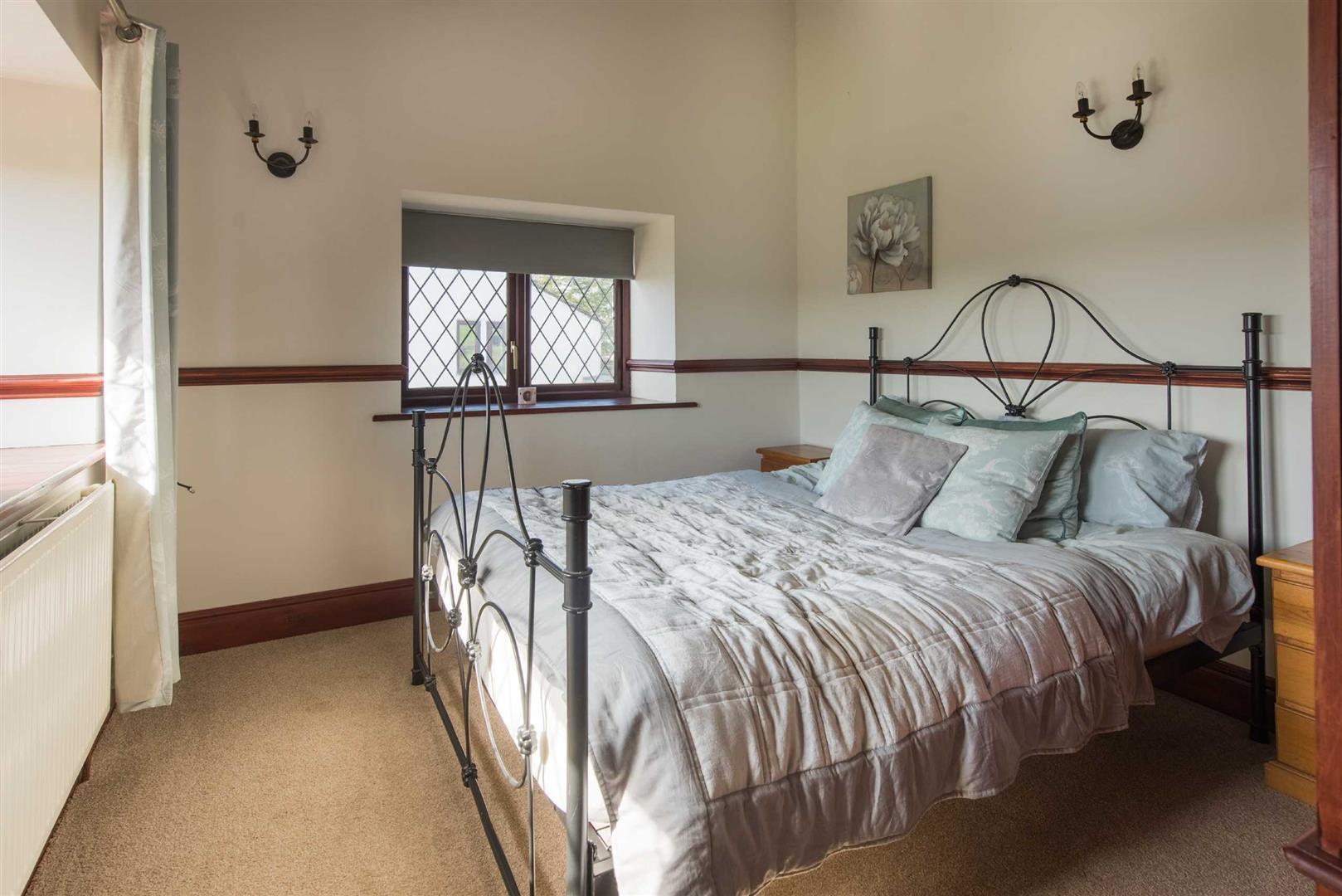 5 Bedroom Link Detached House For Sale - Image 18
